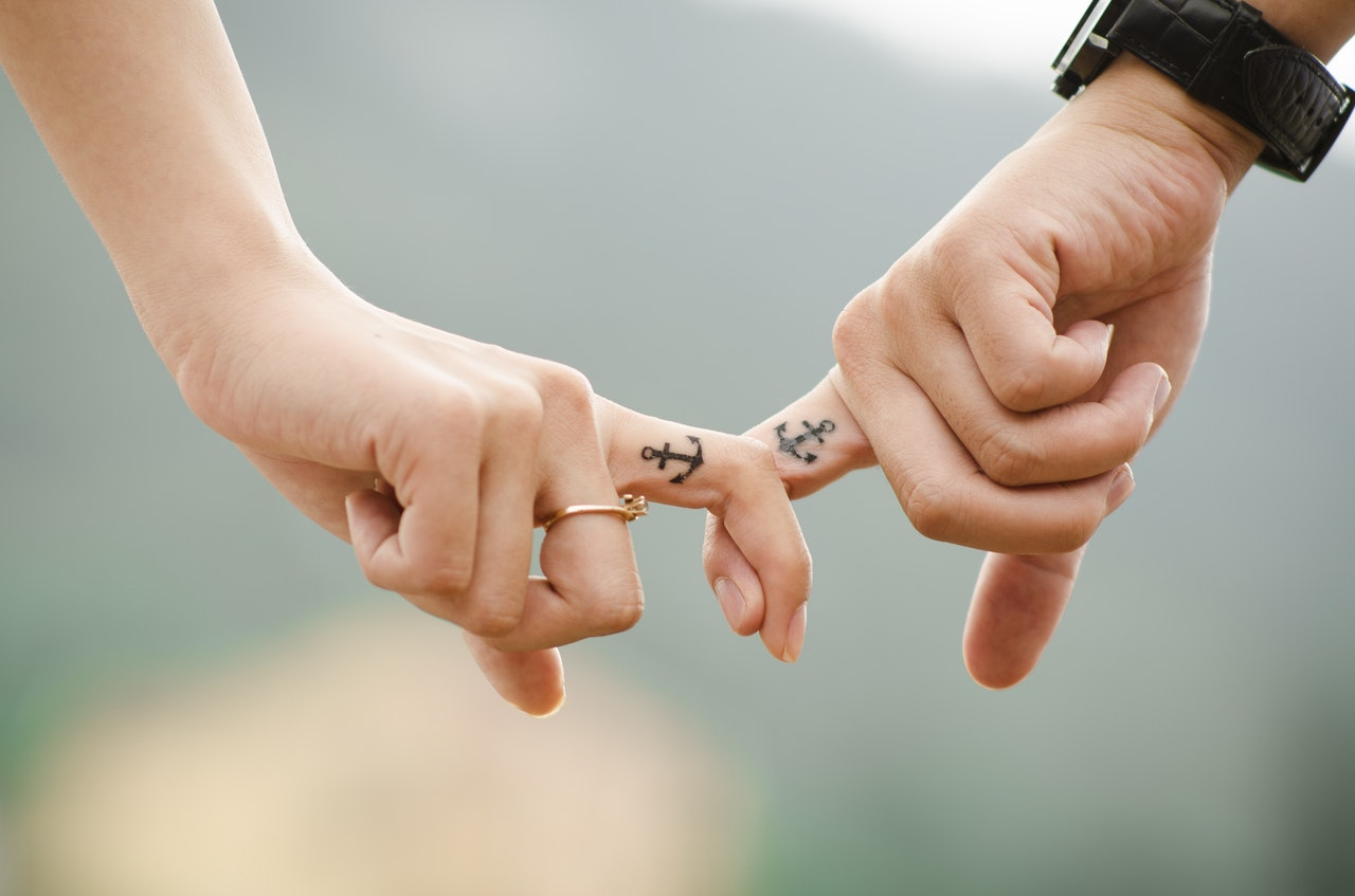 anchor couple fingers friends 38870